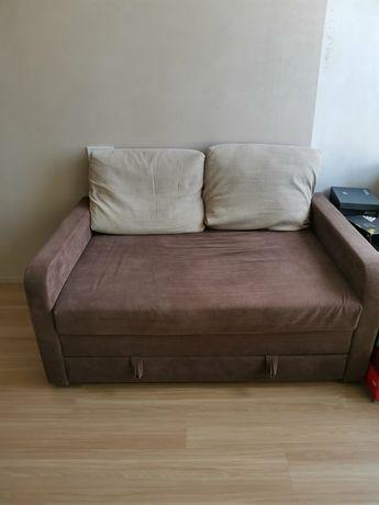 Продам диван двуспальный