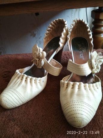 Женские кожаные туфли. Недорого!