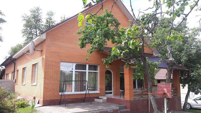 Сдам кирпичный дом 200 кв.м. с современным ремонтом в Ирпене