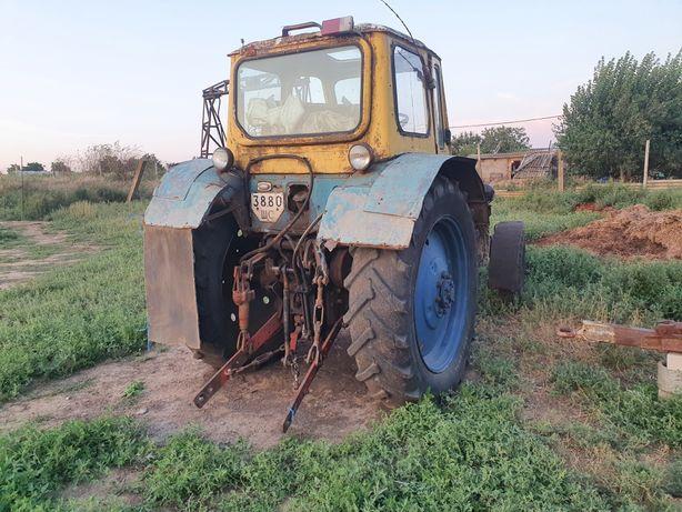 Трактор юмз 1990