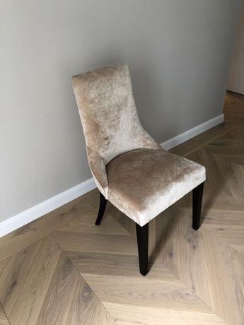 Welurowe krzesło