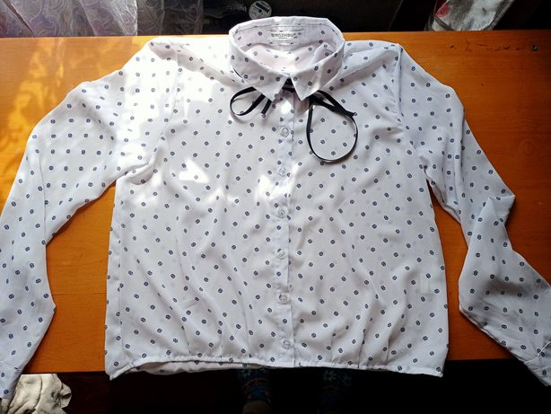 Женская рубашка с ленточкой