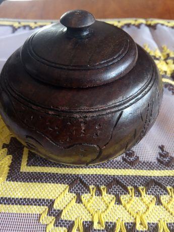 Szkatułka drewniana z afrykańskim wzorem