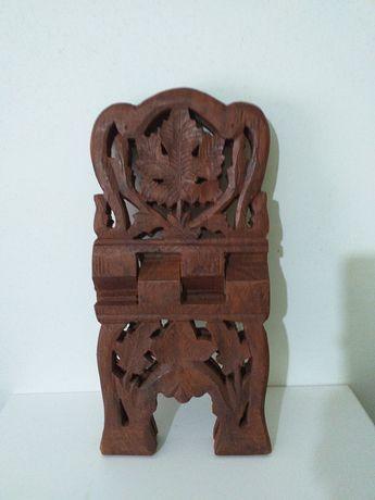 Porta-livros / escultura do Alcorão Sagrado islâmico de artesanato