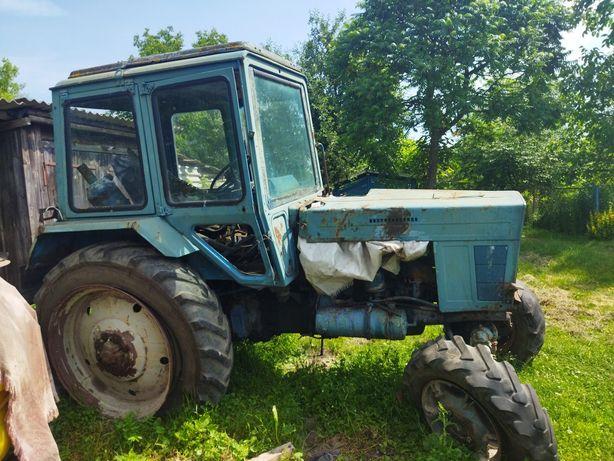 Трактор МТЗ-82..