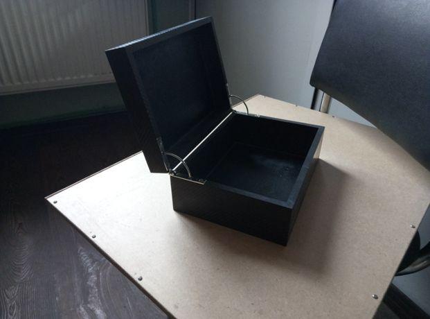 Ящик из карбона. Карбон.