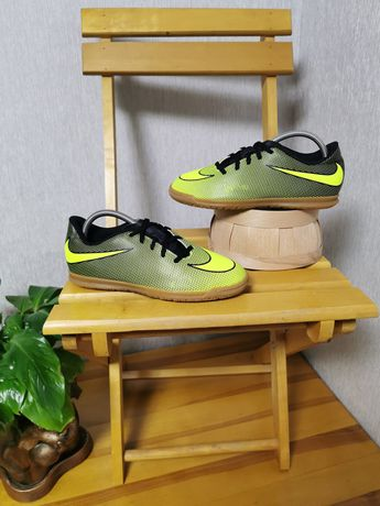 футзалки Nike Bravatax II 38.5 размер 24см ОРИГИНАЛ