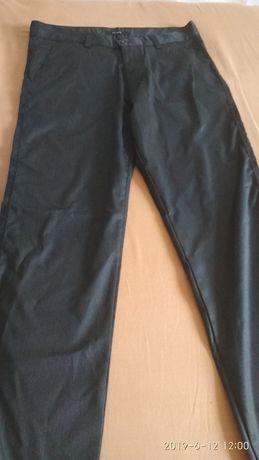 Чоловічі брюки нові .