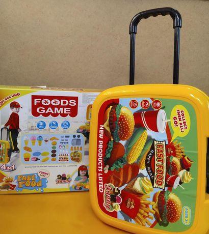 """Игровой набор для детей """"Фастбуд"""" в чемодане 34 аксессуара"""