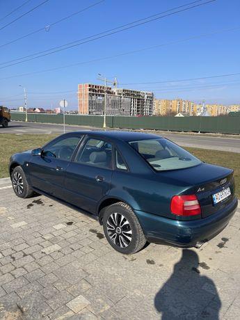 Продам Audi a4 b5.  1,6 бензин 1995