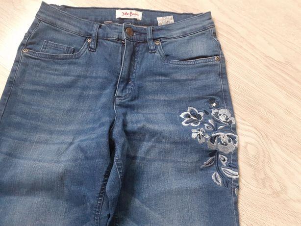 Spodnie jeansowe w kwiaty 40