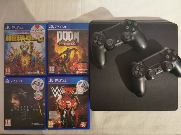 PS4 Slim 500 GB, 2 pady, 4 gry, kable