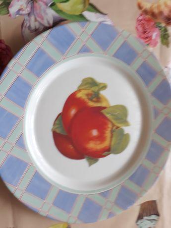 Продаются тарелки,новые,диаметром 20 см,стаканы,блюдо