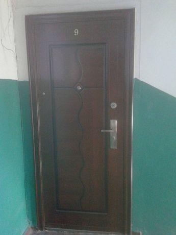 Продаеться 3-х комнатная квартира в г.Ясиноватой с ремонтом за 15$
