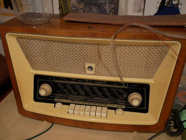 Radio lata 60-te.