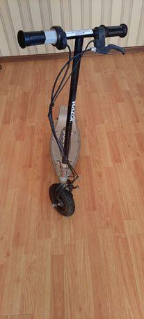 Продам электросамокат RAZOR E125