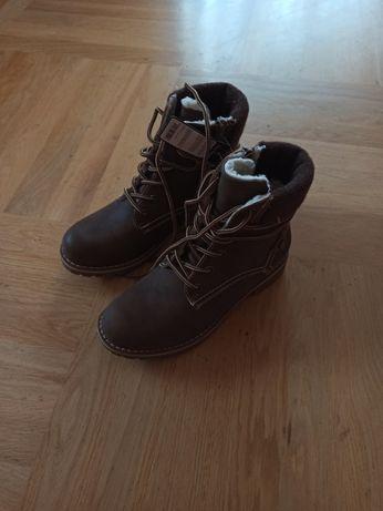 Buty z ociepleniem rozm. 37