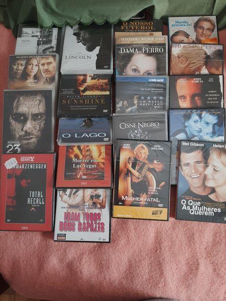 Filmes em DVD embalados