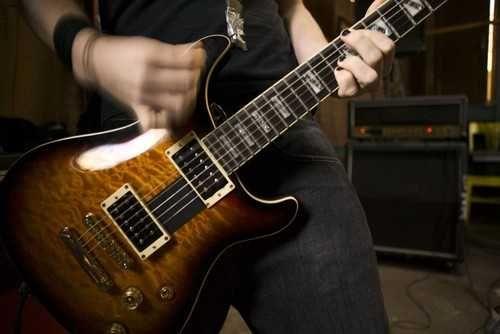Требуется гитарист