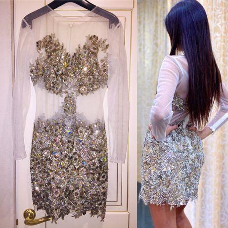 Нарядное платье в камнях