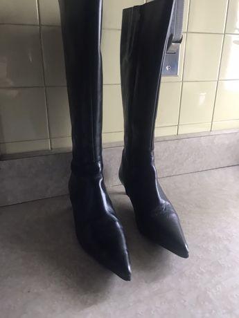Botas de cano alto de couro