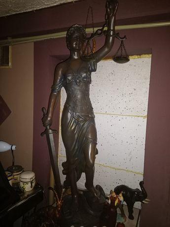 Bogini sprawiedliwości Temida