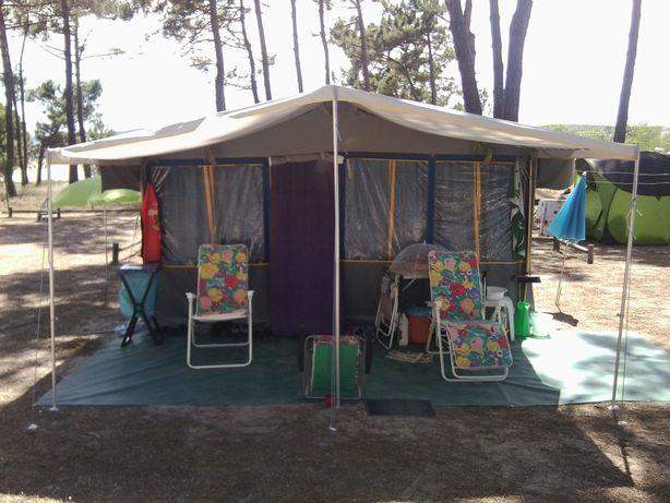 Vendo atrelado tenda