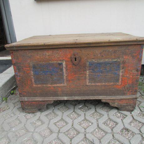 Skrzynia sosnowa XIX- wieczna, antyk, oryginalne okucia.