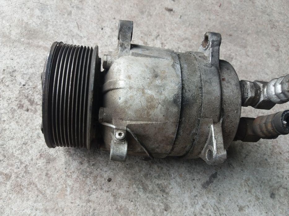 Sprężarka klimatyzacji do Traktora kombajnu Bełsznica - image 1