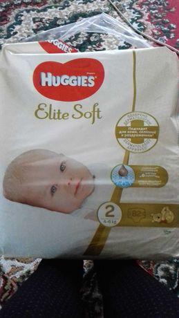 Памперси Huggies