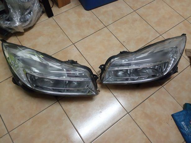 Lampa prawa przód Opel Insignia