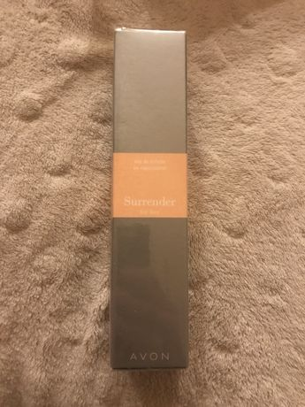 Perfumy Avon Surrender damskie NOWE ZAFOLIOWANE 50 ml