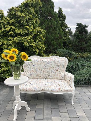 Bielona , stylowa sofa