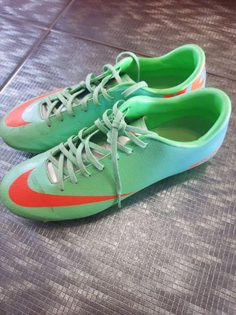 Buty NIKE korki do piłki nożnej