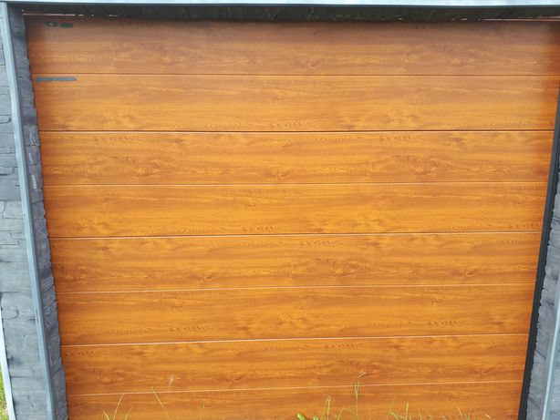 Brama, Drzwi garażowe segmentowe powystawowe ISOMATIC 2500x2125