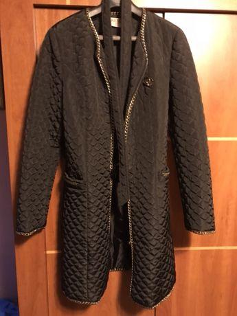 Płaszczyk w stylu Chanel