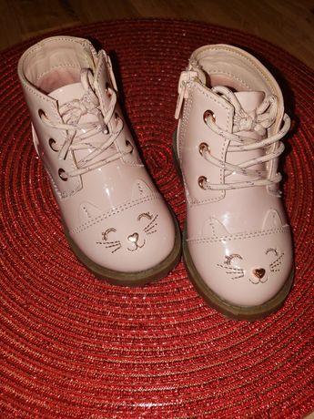 Ботинки. Сапожки.
