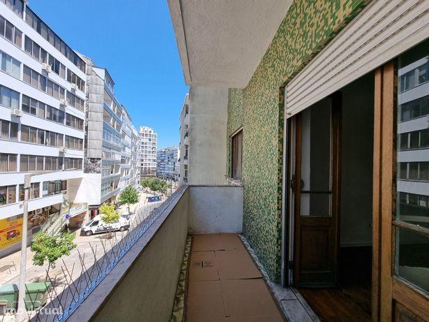 T2 com 2 varandas – junto a Praça Gil Vicente - Almada