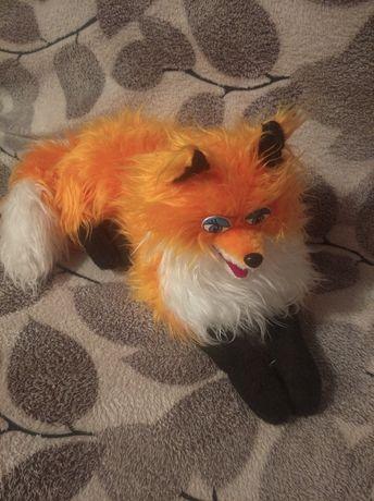 Игрушка лисиця..