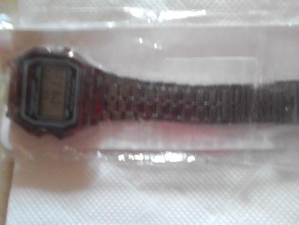 Relógio tipo Casio (várias cores)