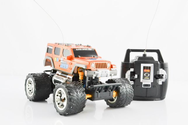 Samochód zdalnie sterowany Jeep + pilot+akumulatorki+usb