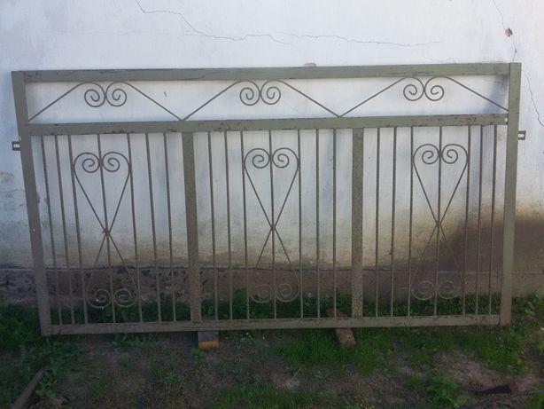 Паркан, забор, огорожа.