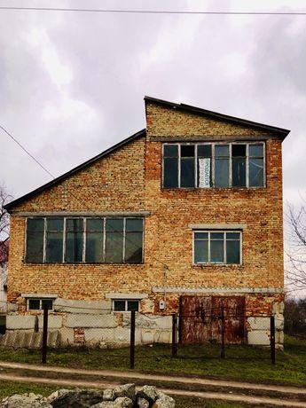Продаеться будинок 140 км від Києва 270 м2 обмін на авто або С/Т