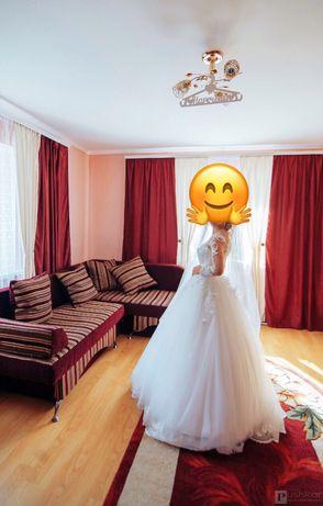 Весільна сукня + чехол у подарунок