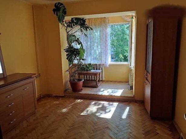 Продам 3 кімнатну квартиру на вул. Шафарика