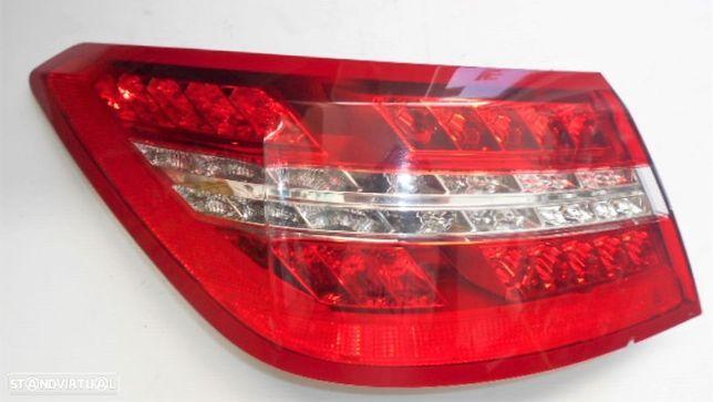 Farolim Esquerdo Mercedes E Class C207 (E350)  Coupe Cabriolet - Usado