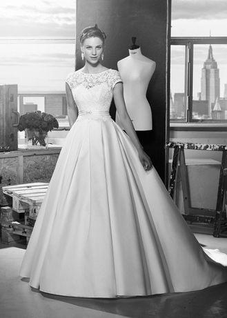 Wyjątkowa suknia ślubna !!