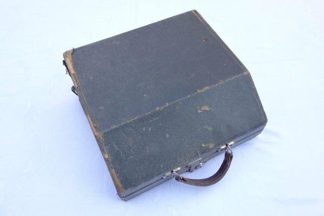 Sprzedam starą maszynę do pisania OLYMPIA PLANA