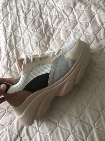 Sprzedam nowe sneakersy buty sportowe