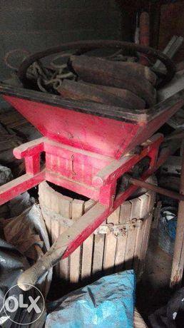 Máquina Ralar Uvas - Antiguidades